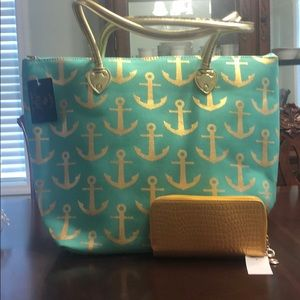 Large Tote with Wallet